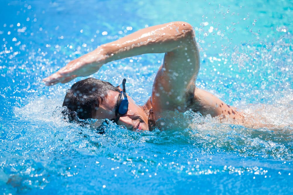 4 Health Benefits of Swimming
